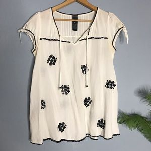 Lithe Anthropologie Embroidered White Blouse 6